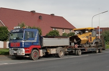 Tiefladertransport